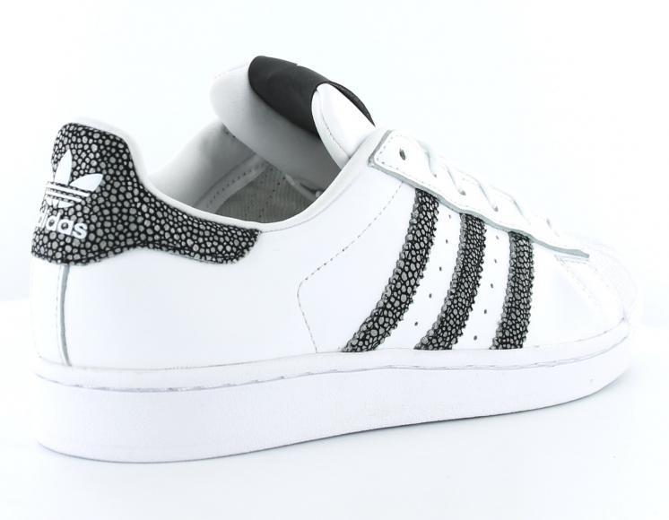 Endlos Bestäuben Ich Habe Einen Englischkurs Adidas Superstar Blanche Et Noir Femme Beraten Spenden Ausscheiden